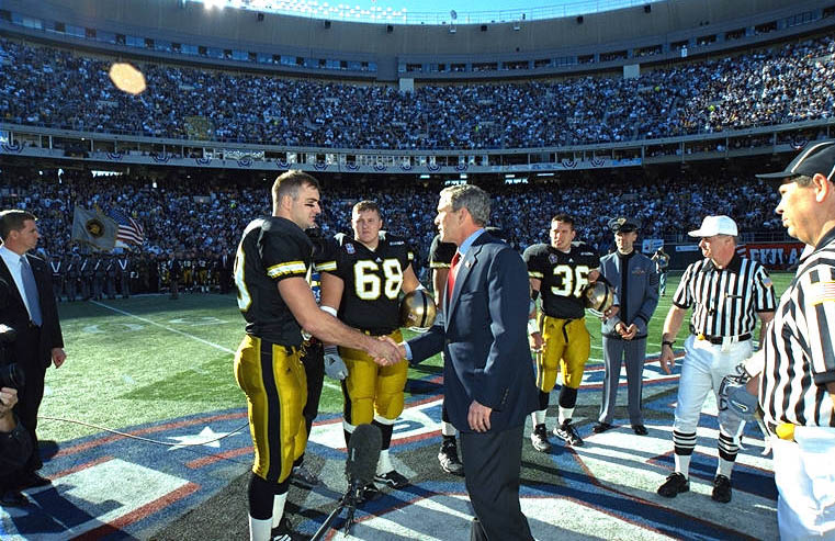 A Look Back At The First Army-Navy Game Played After 9/11 ...